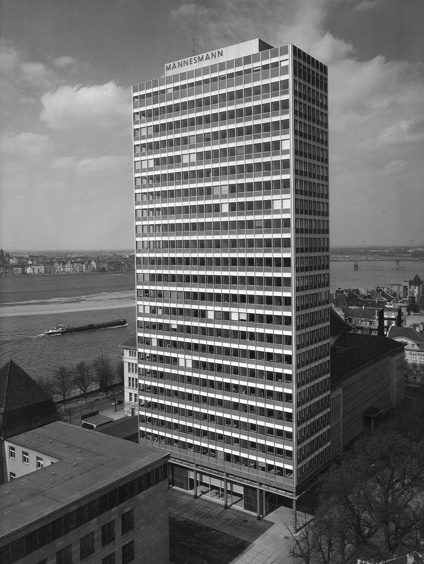Mannesmann Hochhaus Denkmalgeschutzt Dusseldorf 1951 56